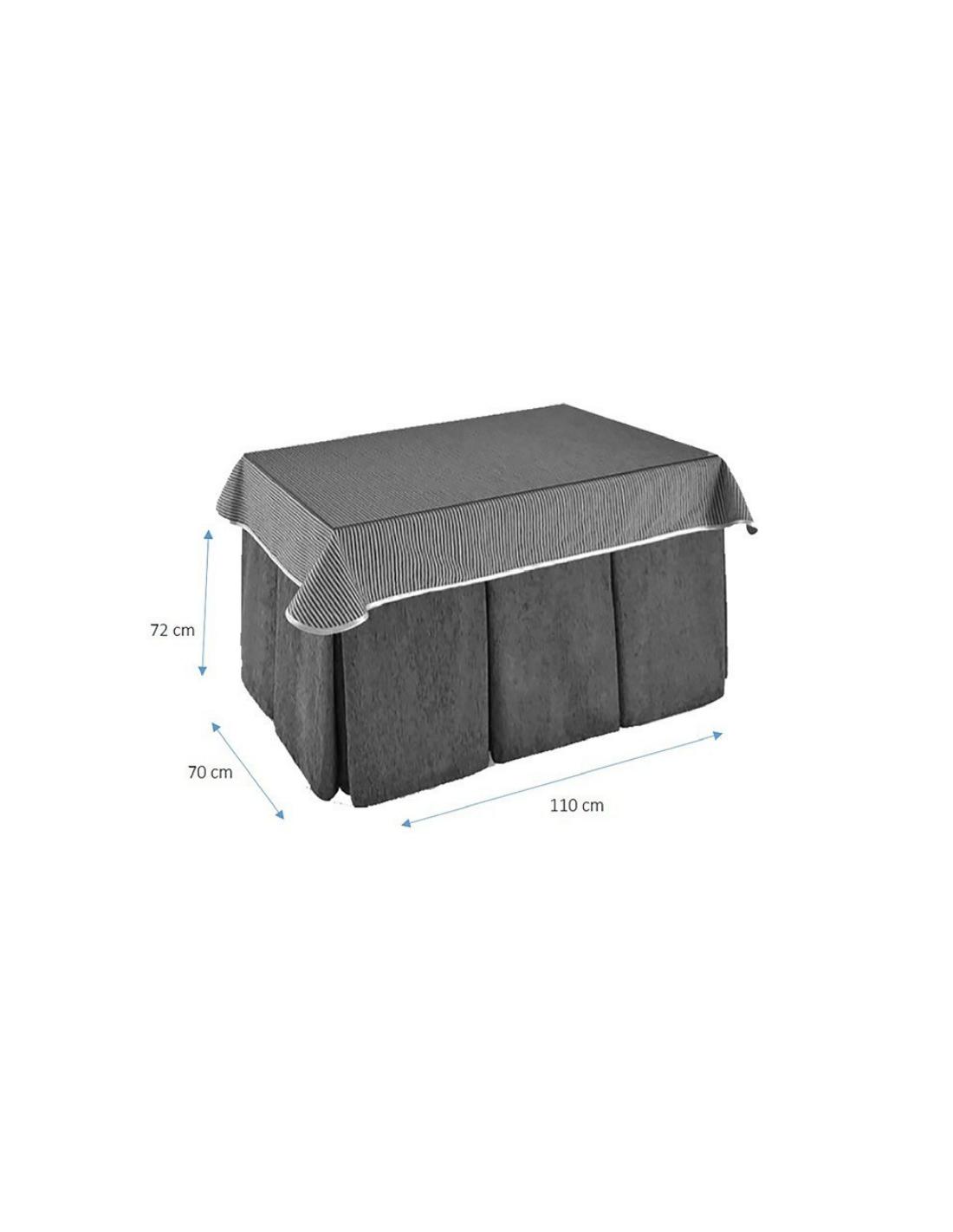 Mesa de comedor con cuatro patas rectangulares